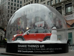 new-mini-countryman-pub-boule-neige