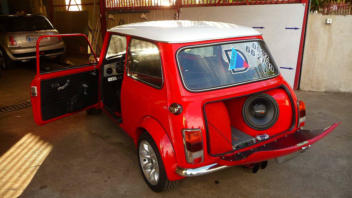 Austin Mini on montage garage bois